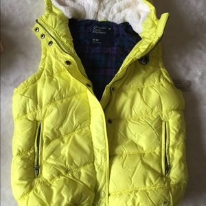 New puffer vest for girl
